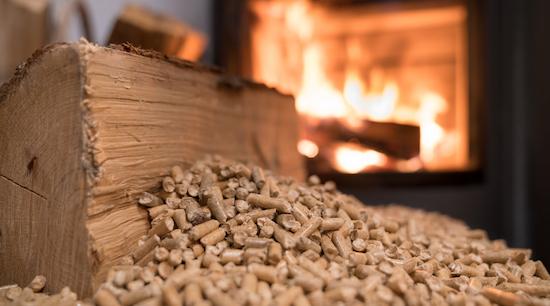 Objectif zéro fioul dans les foyers français : pourquoi passer au bois ?