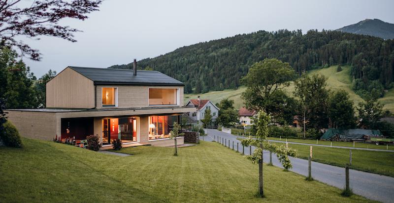 L'architecte Thomas Metzler privilégie le chauffage au bois par accumulation